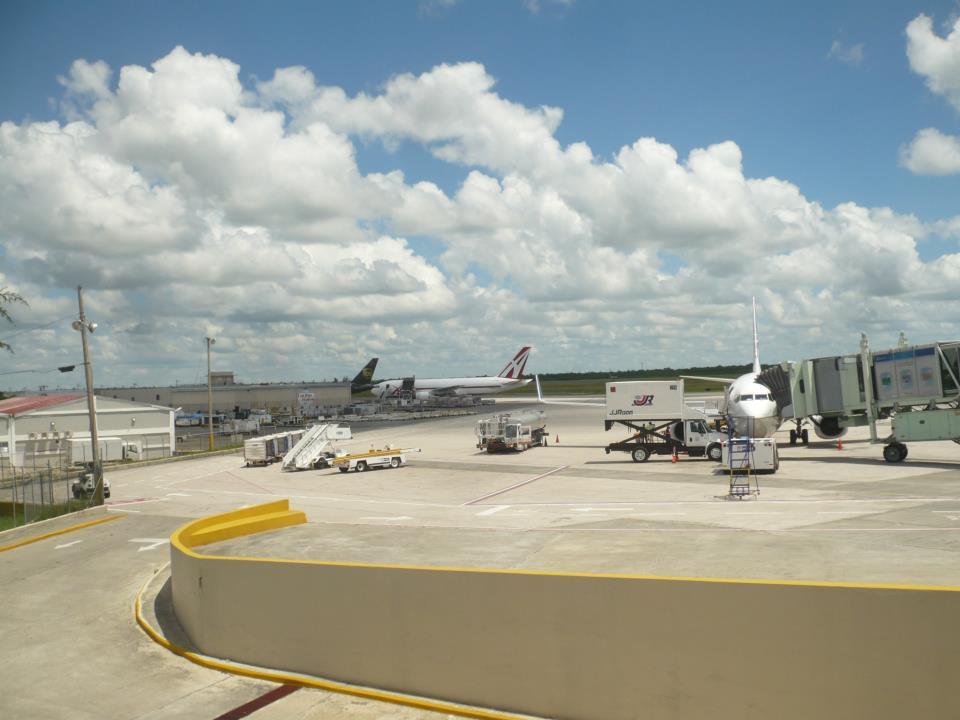Avión en espera de partida