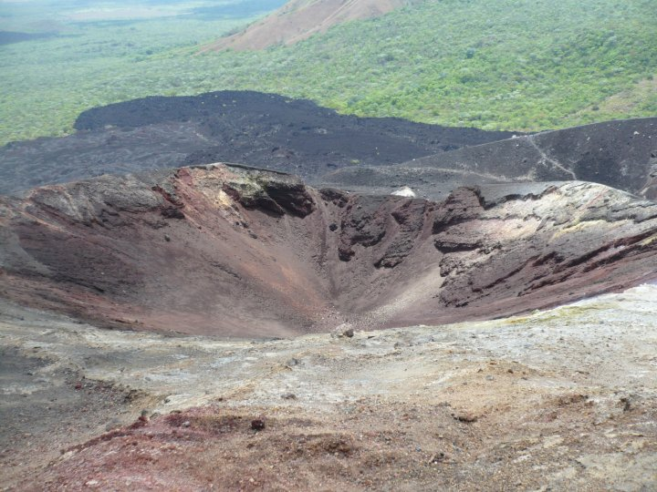 crater cerro negro