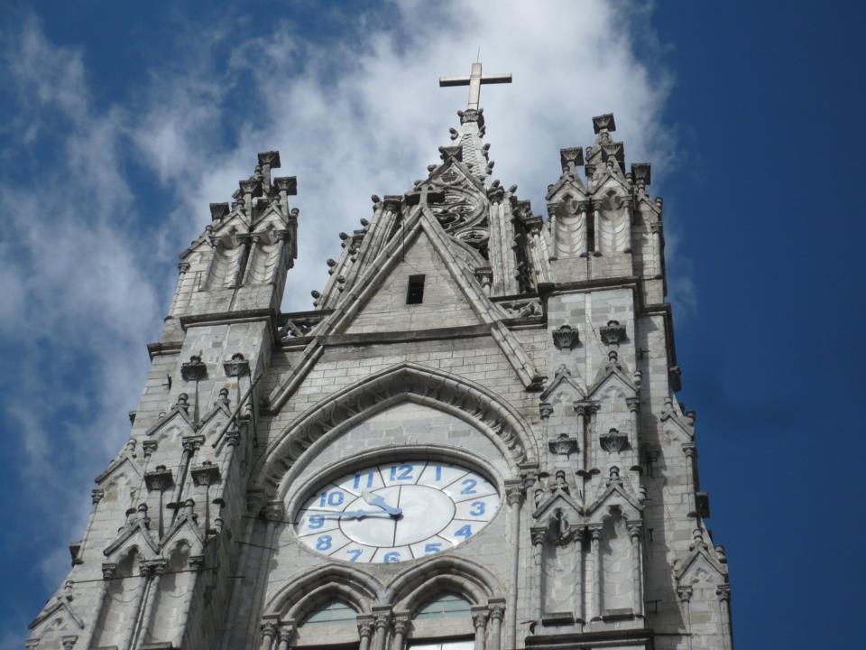 Reloj de la Basílica del Voto Nacional, Quito, Ecuador