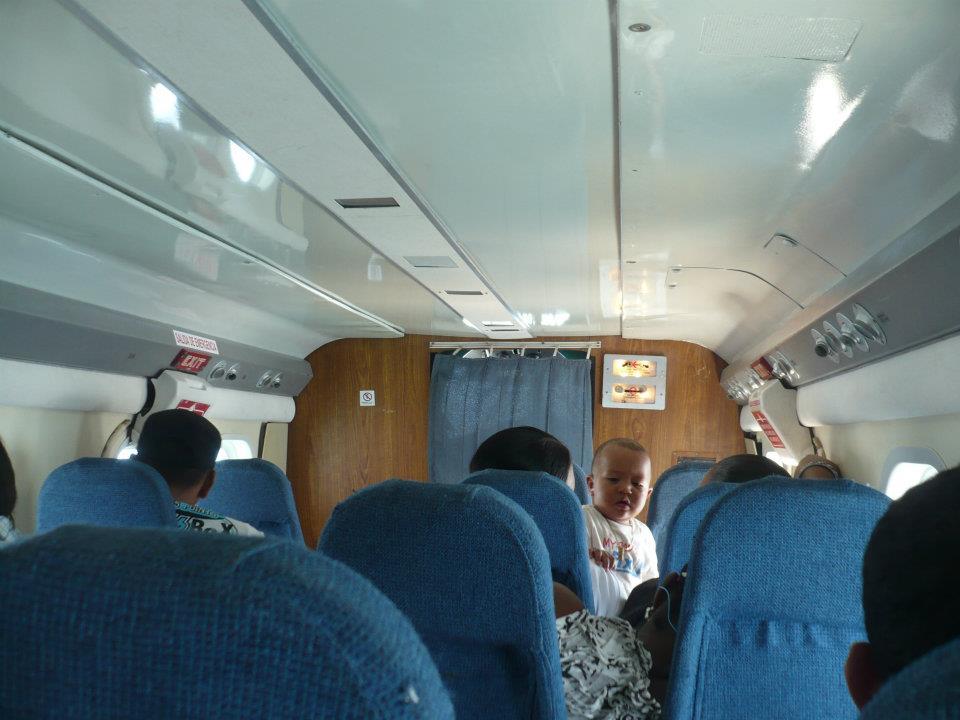 Interior de avioneta de Air Panama