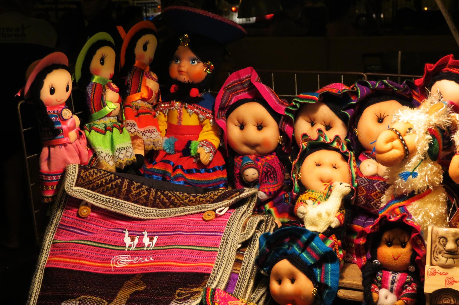 muñecas artesanales del peru