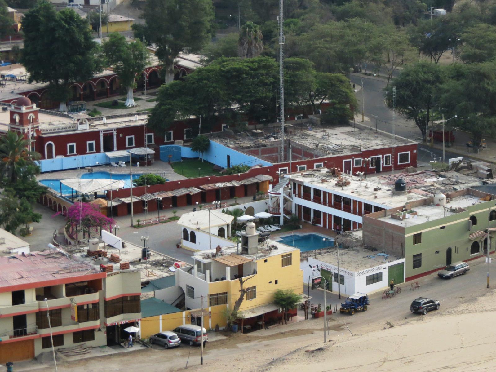 hoteles oasis huacachina