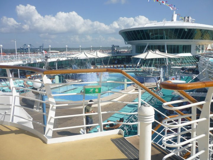 piscina grandeur of the seas