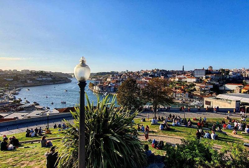 Explorando la encantadora ciudad portuguesa de Oporto